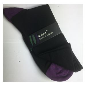 Billede af iZ sock, bambus strømper med violet hæl og tå.