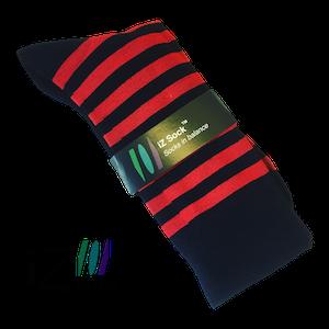 Sort og rødestribede bambusstrømper fra iZ Sock
